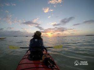 Mari travel kayak